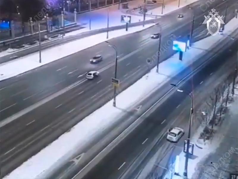 В Москве инженер зарезал таксиста во время поездки и выпрыгнул на ходу из автомобиля