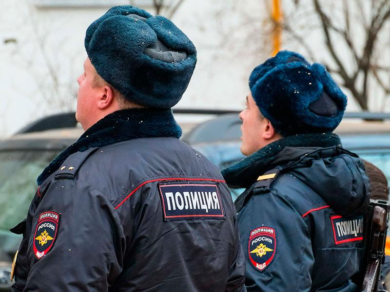 В Москве следователи изучают видео с места стрельбы и похищения клиента кафе
