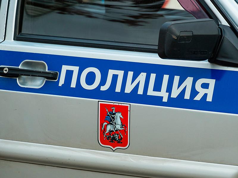 Сотрудники правоохранительных органов расследуют кражу ценностей у пожилой женщины в Новой Москве. Добычей злоумышленников стали деньги в американской валюте и золото в монетах