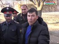 """В Таджикистане брат отрезал голову сестре-школьнице за """"связь с мужчиной"""". И показал на следственном эксперименте, как именно (ВИДЕО)"""