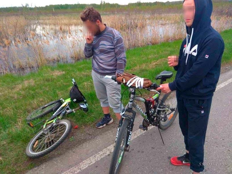 Полиция сорвала двум меломанам велосипедное путешествие из Сибири в Москву на рэп-концерт (ФОТО, ВИДЕО)