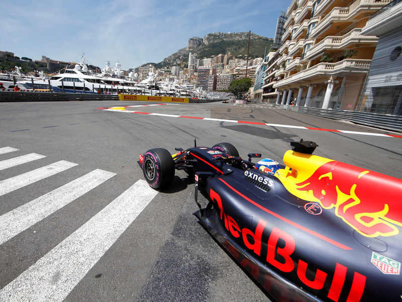 "Пилот ""Ред Булла"" Даниэль Риккьярдо выиграл квалификацию Гран-при Монако"