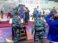 Дагестанский борец спровоцировал драку на чемпионате России