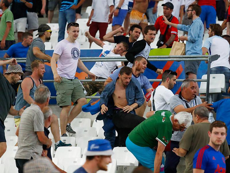 Союз европейских футбольных ассоциаций (УЕФА) открыл дисциплинарное дело в отношении Российского футбольного союза по итогам беспорядков во время стартового матча на Евро-2016 с командой Англии