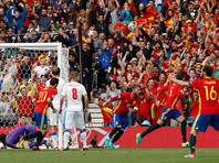 Испанцы начали защиту титула на Евро-2016 победой над чехами