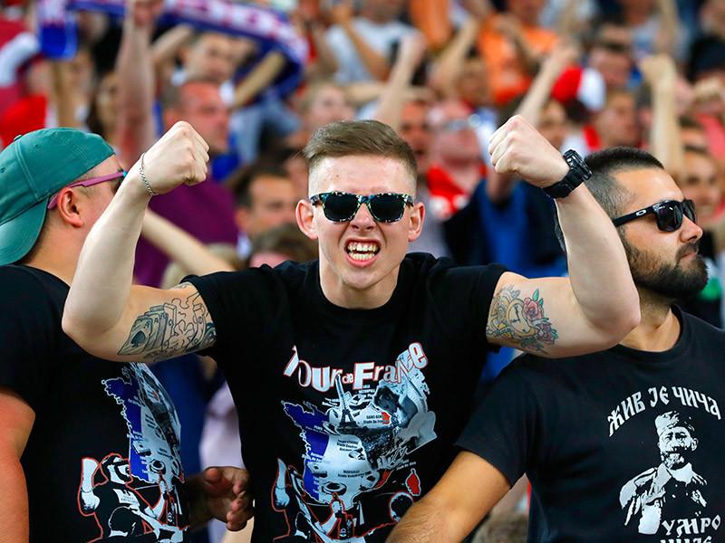 Союз европейских футбольных ассоциаций (УЕФА) предупредил Российский футбольный союз (РФС) и Футбольную ассоциацию Англии (ФА), что их национальные команды могут быть отстранены от участия в чемпионате Европы во Франции в случае повторения фанатских беспорядков