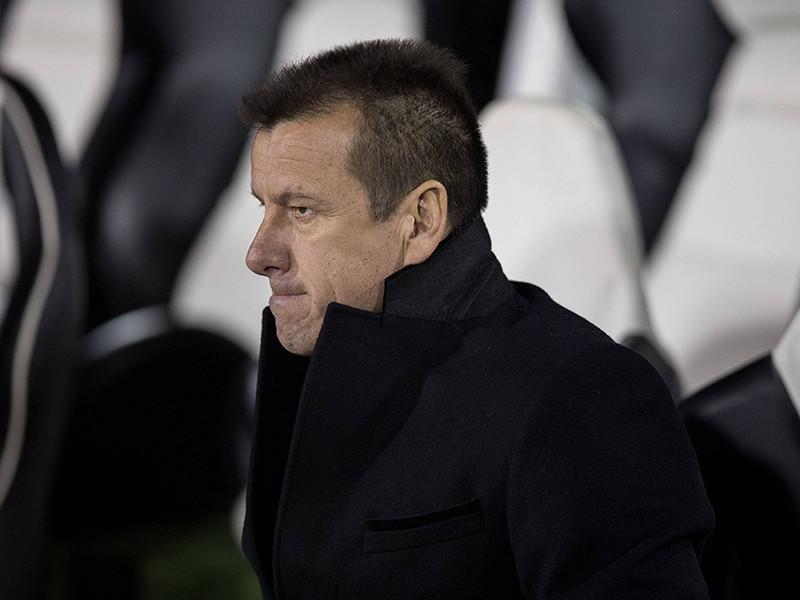 Главный тренер сборной Бразилии по футболу Дунга уволен со своего поста после провального выступления команды на Кубке Америки