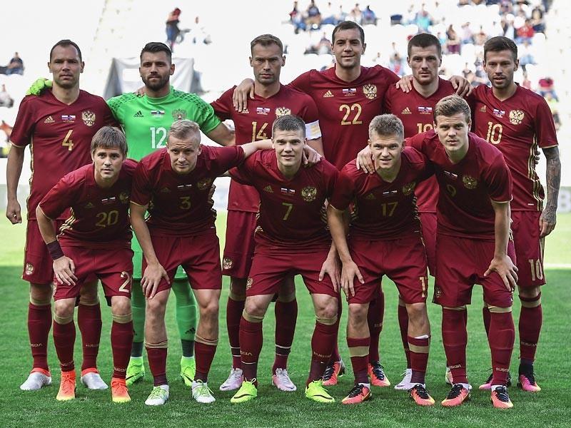 Сборная России опустилась на 29-е место в обновленном рейтинге Международной федерации футбола (ФИФА), июньская версия которого была опубликована в четверг на сайте организации