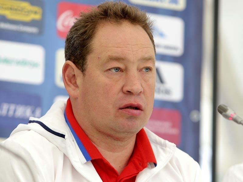 Российский футбольный союз (РФС) в четверг официально объявил о завершении сотрудничества с главным тренером национальной сборной России Леонидом Слуцким