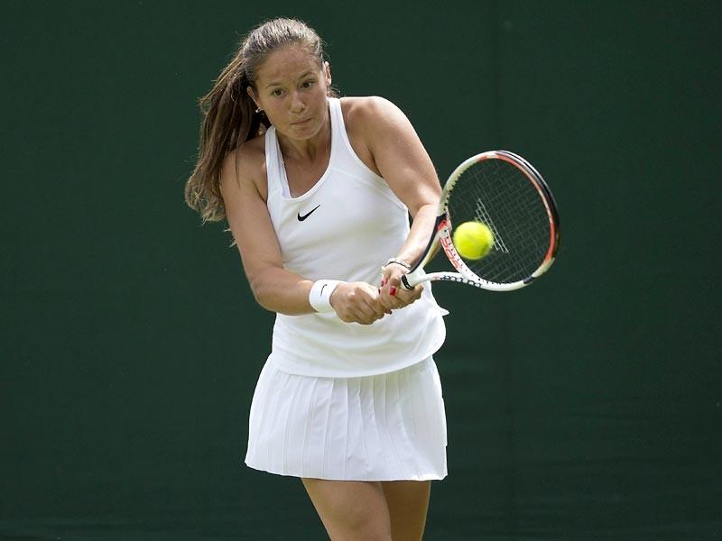 Россиянка Дарья Касаткина обыграла американку Викторию Дюваль в первом круге стартовавшего в понедельник в Лондоне Уимблдонского теннисного турнира