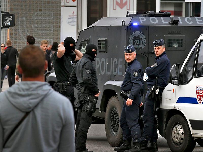 Полиция Лилля запретила россиянам демонстрировать национальный флаг