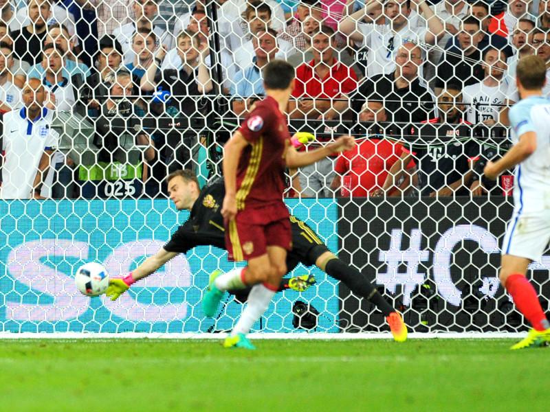 Акинфеев стал третьим по числу отраженных ударов на групповом этапе Евро-2016