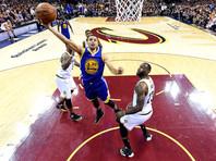 "Баскетболистам ""Голден Стэйт"" остался один шаг до второго чемпионства подряд"