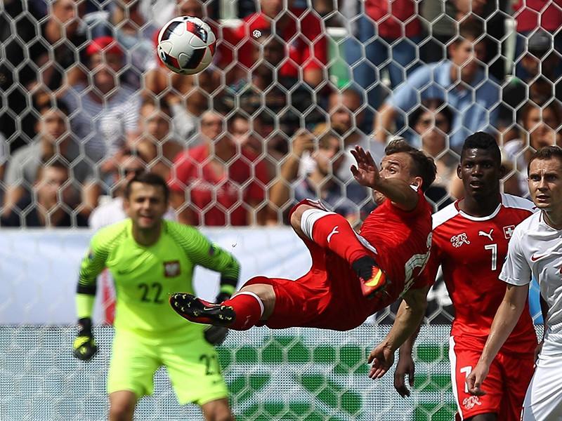 Группа технических наблюдателей Европейского футбольного союза (УЕФА) назвала самый красивый гол завершившегося во Франции первенства континента