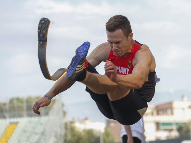 Международная ассоциация легкоатлетических федераций (IAAF) не допустила немецкого прыгуна-ампутанта Маркуса Рема до участия в Олимпийских играх в Рио-де-Жанейро