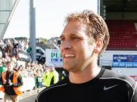 """Экс-капитан """"Астон Виллы"""", победив рак, спустя четыре года вновь сыграл за свой клуб"""