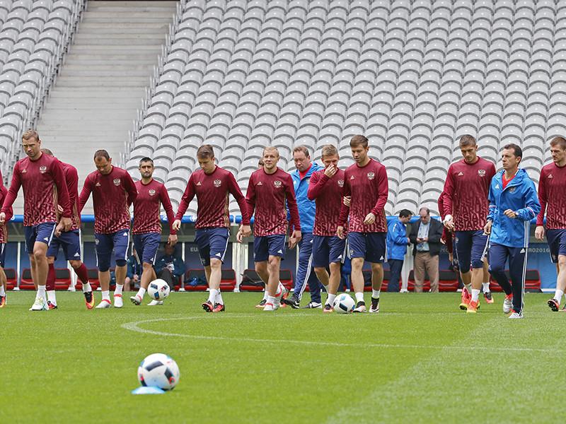 Сборная России по футболу проведет ближайшие товарищеские матчи 31 августа и 6 сентября, один из них пройдет на территории России