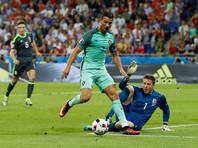Сборная Португалии стала первым финалистом чемпионата Европы по футболу, переиграв со счетом 2:0 национальную команду Уэльса