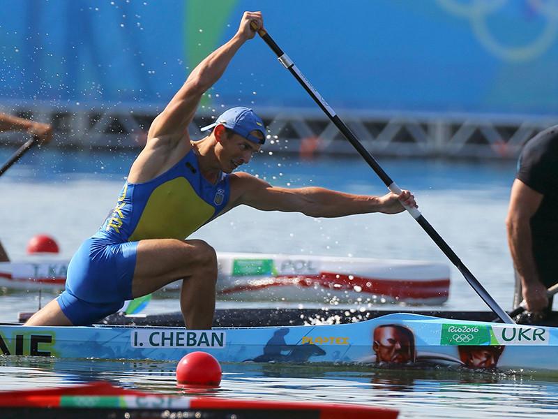 Украинский гребец Юрий Чебан хотел выступить на Олимпийских играх-2016 в Рио-де-Жанейро на каноэ с рисунком взорвавшейся в Москве ракеты, сделанным по его заказу еще в 2014 году. Однако в итоге отдал предпочтение лодке с казаками