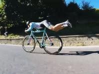 Итальянский экстремал показал новый способ езды на велосипеде (ВИДЕО)