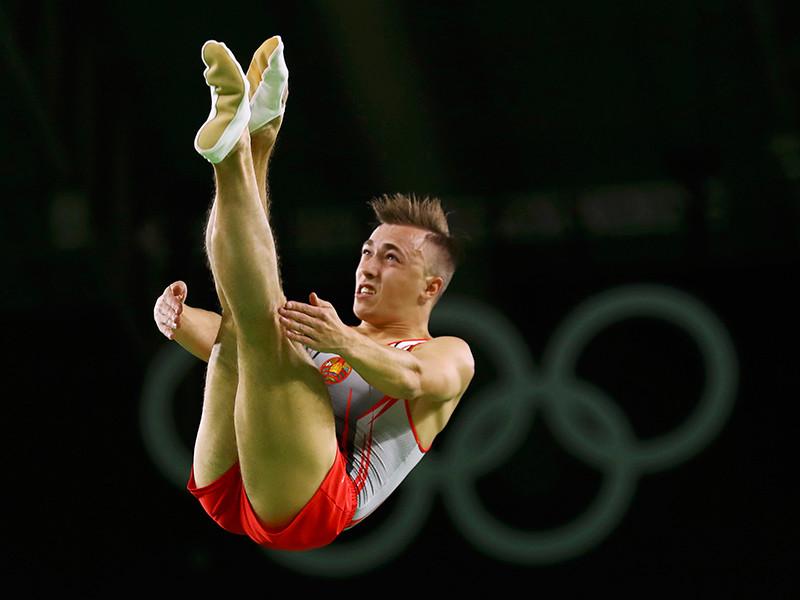 Белорусский спортсмен Владислав Гончаров выиграл золотую медаль в соревнованиях по прыжкам на батуте на Олимпийских играх в Рио-де-Жанейро