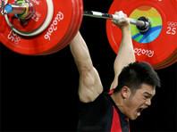 Китаец Ши Чжиюн выиграл олимпийское золото в тяжелой атлетике