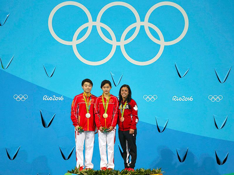 15-летняя китайская спортсменка Жэнь Цянь завоевала золотую медаль в соревнованиях по прыжкам в воду с 10-метровой вышки на Олимпиаде в Рио-де-Жанейро