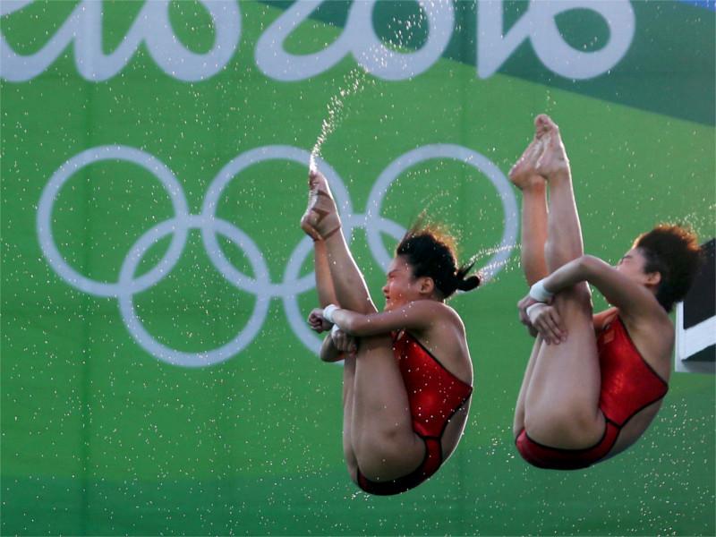 Золото у женщин на 10 метровой вышке завоевали китаянки Лю Хайся и Чен Руолин.