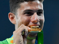 Олимпийскому чемпиону из Бразилии подарили килограмм золота