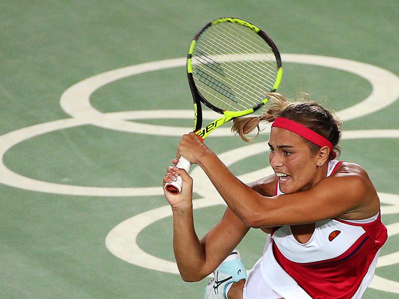 Пуэрториканская теннисистка Моника Пюиг со счетом 6:4, 4:6, 6:1 победила немку Ангелику Кербер в решающем поединке Олимпийских игр в Рио-де-Жанейро и завоевала первую в истории Пуэрто-Рико золотую медаль Олимпийских игр
