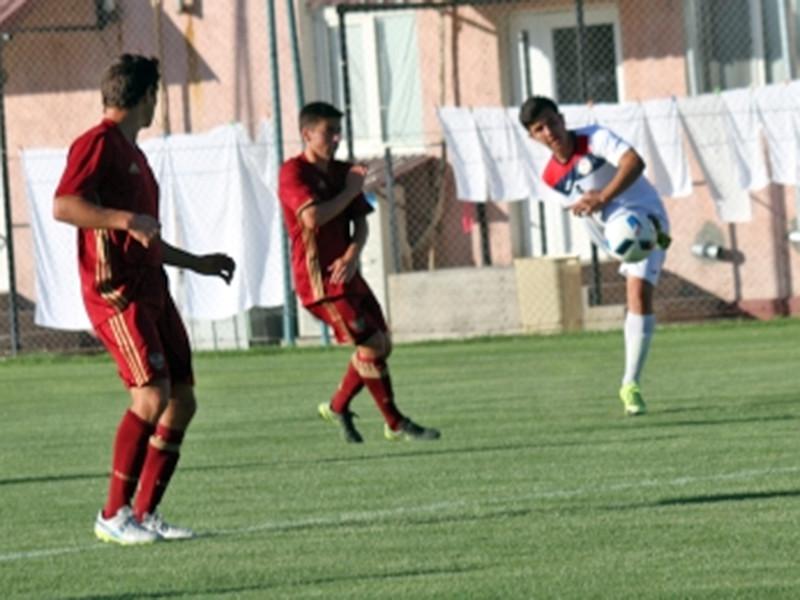 Команда, назвавшаяся юношеской сборной России, потерпела на этом турнире три разгромных поражения от Таджикистана (0:6), Ирана (0:10) и Азербайджана (1:12) с общим счетом 1:28