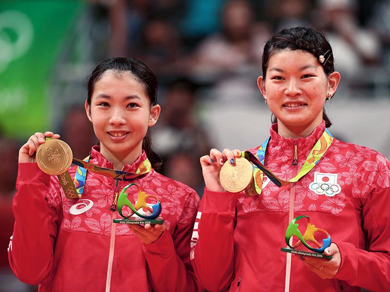 Японские бадминтонистки Мисаки Мацутомо и Аяка Такахаси завоевали золотые медали Олимпийских игр в Рио-де-Жанейро в парном разряде