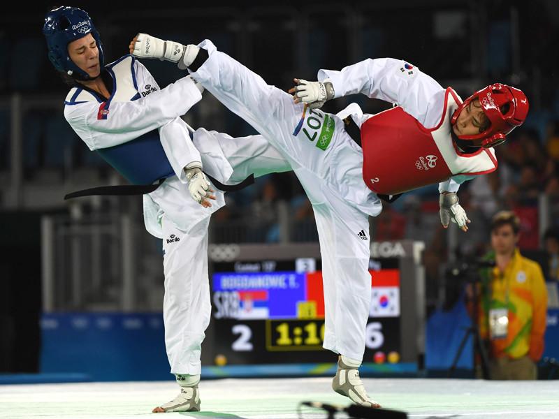 У женщин в весовой категории до 49 кг первенствовала кореянка Ким Со Хви, которая в финале победила сербку Тияну Богданович со счетом 7:6