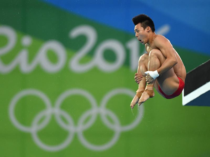 В заключительном виде программы (10-метровая вышка) победил китаец Чэнь Айсэнь