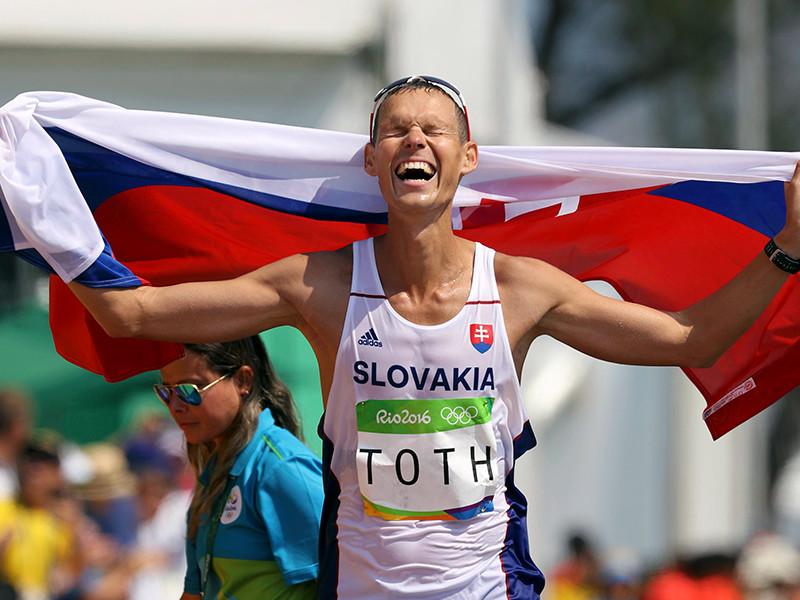 Словацкий легкоатлет Матей Тот завоевал золотую медаль Олимпийских игр в Рио-де-Жанейро в спортивной ходьбе на 50 километров с результатом 3 часа 40 минут 58 секунд