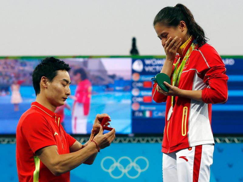 Китайская прыгунья в воду, помимо медали, завоевала сердце своего партнера