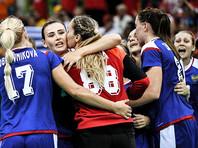 Российские гандболистки победили Южную Корею, главный тренер сборной Трефилов захотел повеситься в женском туалете