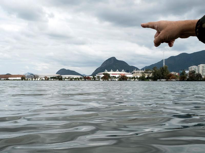 Олимпийские водоемы Рио-де-Жанейро не удалось очистить от экскрементов
