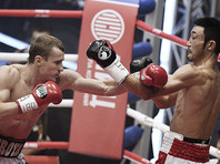 Боксер Трояновский уверенно защитил чемпионские титулы, шокировав президента IBF
