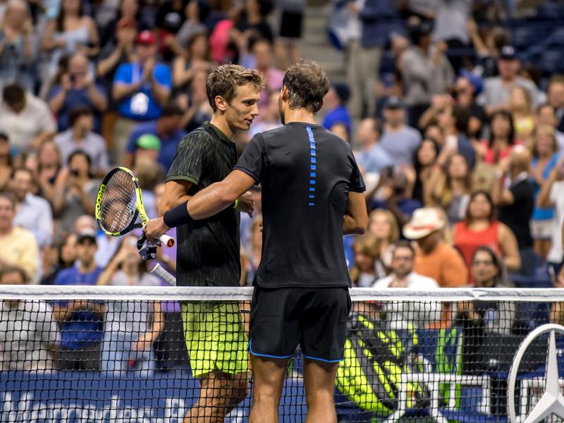 В Нью-Йорке российский теннисист Андрей Кузнецов в матче третьего круга Открытого чемпионата США потерпел поражение со счетом 1:6, 4:6, 2:6 от испанца Рафаэля Надаля