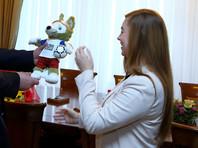 Права на волка Забиваку, ставшего талисманом ЧМ-2018 в России, у студентки кафедры графического дизайна Томского госуниверситета (ТГУ) Екатерины Бочаровой за 500 долларов выкупила Международная федерация футбольных ассоциаций (ФИФА), под эгидой которой проводится мундиаль
