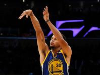 Стефен Карри установил рекорд НБА по количеству трехочковых бросков
