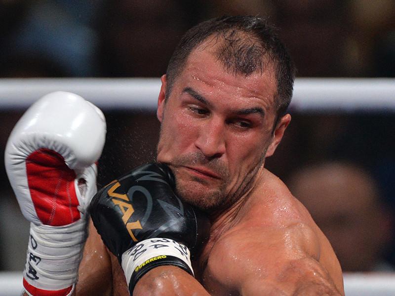 Российский боксер Сергей Ковалев не сумел защитить титулы чемпиона мира по версиям WBA, WBO и IBF в весовой категории до 79,38 кг, проиграв на ринге Лас-Вегаса американцу Андре Уорду по очкам