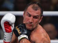 Ковалев потерпел первое поражение в карьере, хотя отправил Уорда в нокдаун