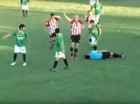 В Мексике футболист убил судью за показанную ему красную карточку (ВИДЕО)
