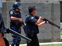 В Аргентине полицейский случайно выстрелил в футболиста во время матча (ВИДЕО)
