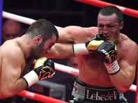 Денис Лебедев боксировал с Муратом Гассиевым со сломанной рукой