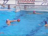 Сербский ватерполист забил гол ногой в прощальном матче за сборную