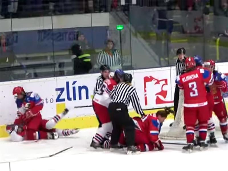 Хоккеисток сборной РФ дисквалифицировали за драку на чемпионате мира