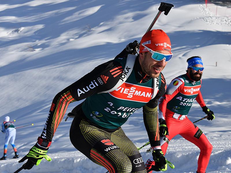 Международный союз биатлонистов (IBU) предложил России отказаться от проведения чемпионата мира по биатлону 2021 года, в противном случае IBU отнимет турнир в одностороннем порядке